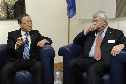 Secretary-General Confers with Peacekeeping Chief in Strasbourg