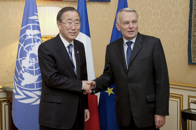 Secretary-General Meets French Prime Minister in Paris