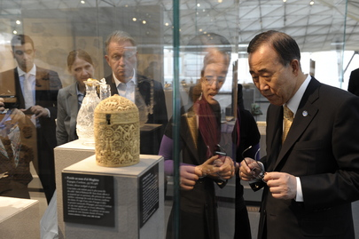 Secretary-General Visits Islamic Art Wing at Louvre