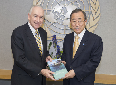 Secretary-General Receives UN Handbook Published by New Zealand