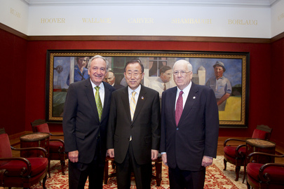 Secretary-General Meets Senator of Iowa