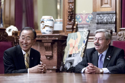 Secretary-General Meets Governor of Iowa
