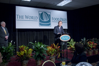Secretary-General Attends World Food Prize Breakfast