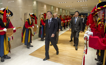 Secretary-General Arrives in Seoul