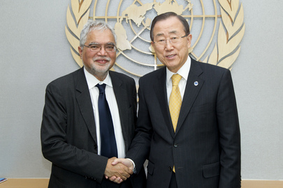Secretary-General Meets Former Staff Member