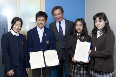 Head of UN Public Information Meets Yokohama Student Messengers of Peace