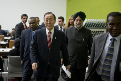 Indian Low-Cost Computer Unveiled at UN