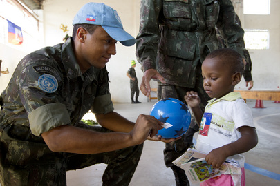 Haiti Peacekeepers Celebrate Christmas with Local Children