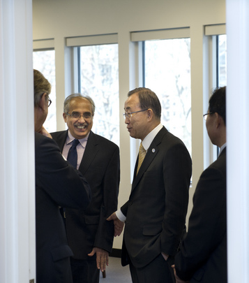 Secretary-General Visits UN Headquarters Offices