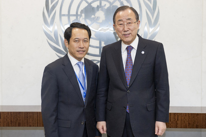 Secretary-General Meets Lao Permanent Representative
