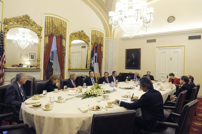 Secretary-General Meets Members of US Senate Foreign Relations Committee