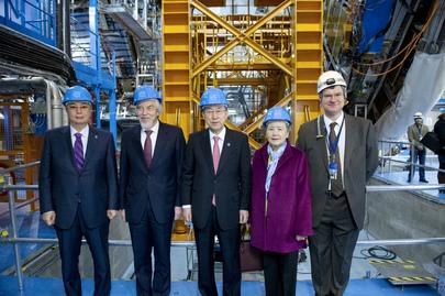 Secretary-General Visits CERN