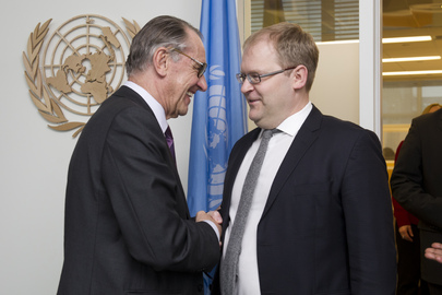 Deputy Secretary-General Meets Foreign Minister of Estonia