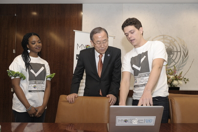 Secretary-General Meets Volunteers of Global Survey,