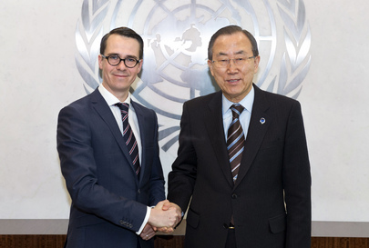 Secretary-General Ban Ki-moon Meets Finland's Minister of Defense