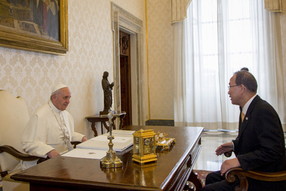 Secretary-General Meets Pope Francis at Vatican