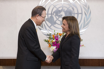 Secretary-General Meets First Lady of El Salvador