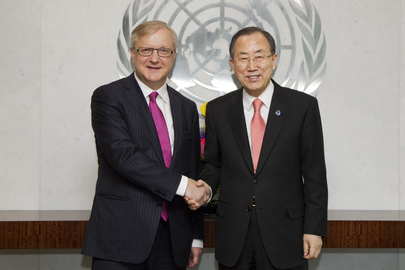 Secretary-General Meets European Commissioner for Economic and Monetary Affairs