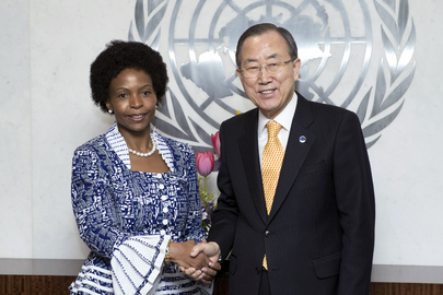 Secretary-General Meets South African Foreign Minister