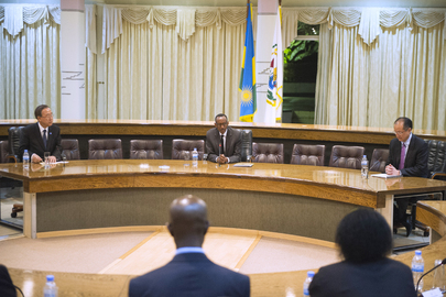 Secretary-General and World Bank President Meet with President of Rwanda