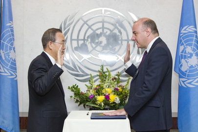 Secretary-General Swears in Assistant Secretary-General for Central Support Services