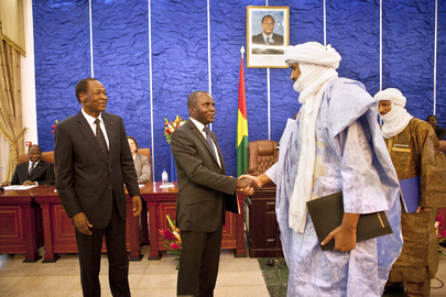 Government of Mali and Tuareg Rebels Sign Ceasefire Agreement