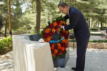 Secretary-General Visits Grave Site of Yitzhak Rabin