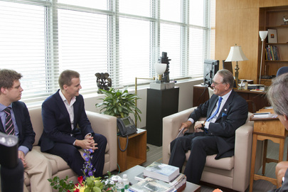 Deputy Secretary-General Meets Head of Global Poverty Project