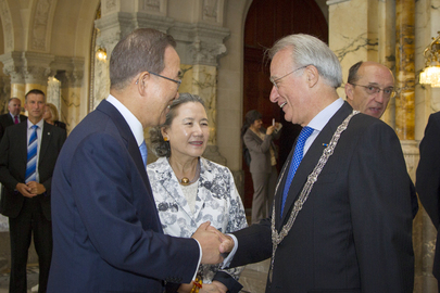 Secretary-General Meets Mayor of The Hague