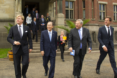 Secretary-General with Dutch Leaders Following Peace Palace Centennial Commemoration