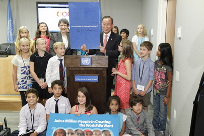 """Secretary-General Ban Ki-moon (centre right) and and Helen Clark (centre left), Administrator of the UN Development Programme (UNDP), with young attendees of a press conference launching the UN Development Group (UNDG) report entitled, """"One Million Voices: The World We Want"""". The report collects perspectives on the '""""orld we want"""" from over 1 million people around the globe. It is hoped that these voices will contribute to reaching consensus on what is needed to move towards a common sustainable future, as UN member states consult on the shape and content of a successor framework to the Millennium Development Goals (MDGs) beyond 2015. 10 September 2013 United Nations, New York Photo # 560509"""
