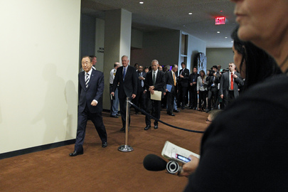 Secretary-General on His Way to Brief Press on Syria Report