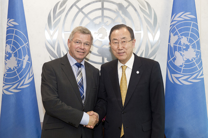Secretary-General Meets Former Prime Minister of Norway