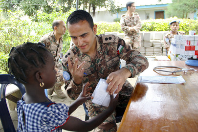 Jordanian Peacekeepers of UNOCI Provide Medical Service to Ivorian Children