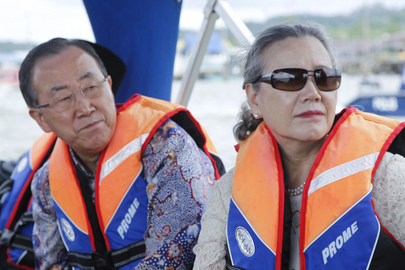 Secretary-General Visits Water Village in Brunei