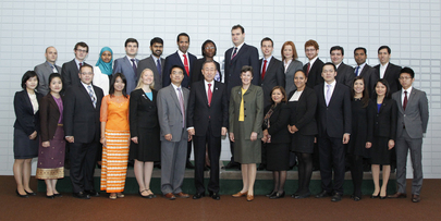 Secretary-General Meets 2013 UN Disarmament Fellows
