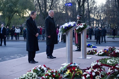 Secretary-General Lays Wreath at Freedom Monument, Latvia