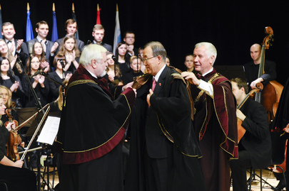 Secretary-General Receives Honourary Doctorate from Lithuanian University