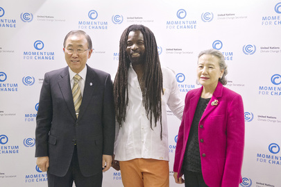 Secretary-General Meets Reggae Star and Goodwill Ambassador at Warsaw Event