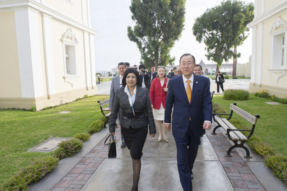 Secretary-General Visits UN Office in Lima