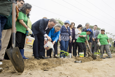 Secretary-General Visits Afforestation Project in Lima