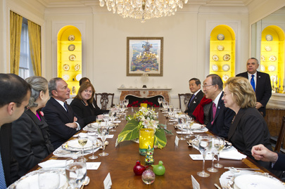 Secretary-General Hosts Farewell Luncheon for Mayor of New York City