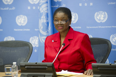 USG for Humanitarian Affairs Briefs the Press