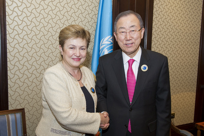 Secretary-General Meets E.U. Commissioner for International Cooperation