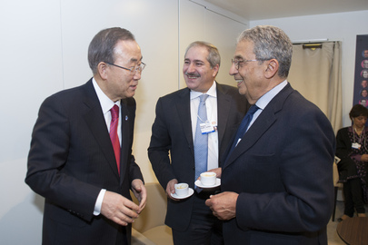 Secretary-General Meets with Arab Leaders in Davos