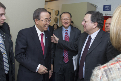 Secretary-General Briefs Press with Presidents of the European Commission and the World Bank