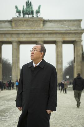 Secretary-General at Brandenburg Gate, Berlin