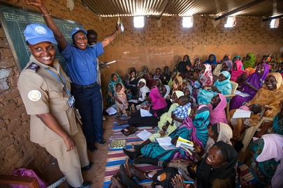 UNAMID Police Facilitates English Classes for Displaced Women