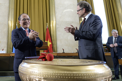 Vietnam Presents Bronze Drum to UNOG for 60th Anniversary of Accords on Indochina