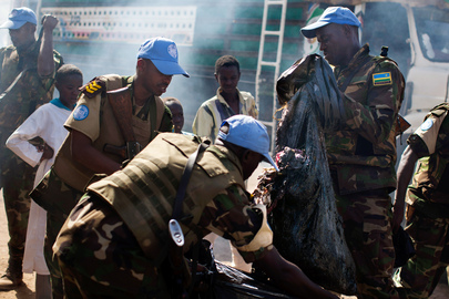 UNAMID Peacekeepers Take Part in Clean-up Campaign